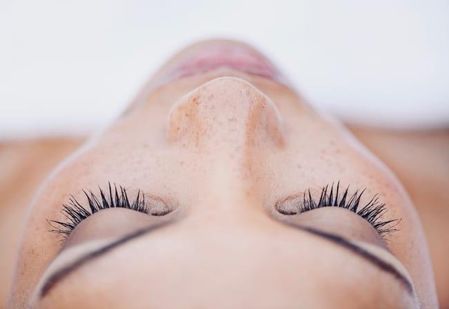 método fácil para los puntos negros de la nariz