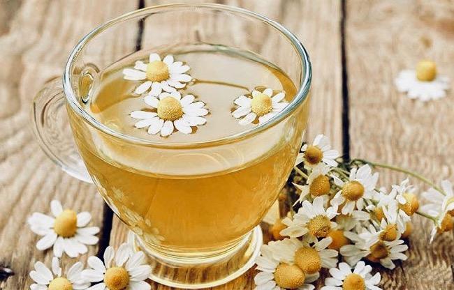 para qué sirve el té de manzanilla